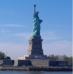 Parce qu'un jour j'irai à New-York avec toi... dans Vacances et petits week-end :) Statue_liberty